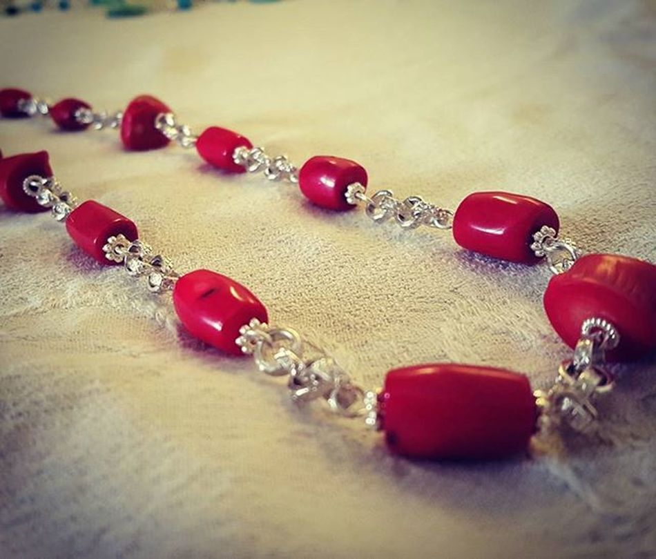 Summer jewelry Summerjewelry Jewelryhomemade Bigiotteriaartigianale Bigiotteria Corallo Coral Hobby Necklacehomemade Collanafaidate