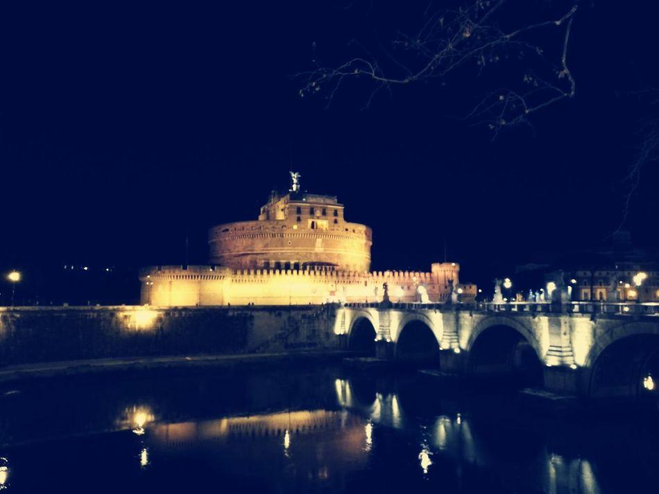 First Eyeem Photo Roma Rome Romantic Castel Sant'Angelo Notte Night Tevere Trastevere Tevere River Rome By Night Rome Italy🇮🇹 Italy🇮🇹