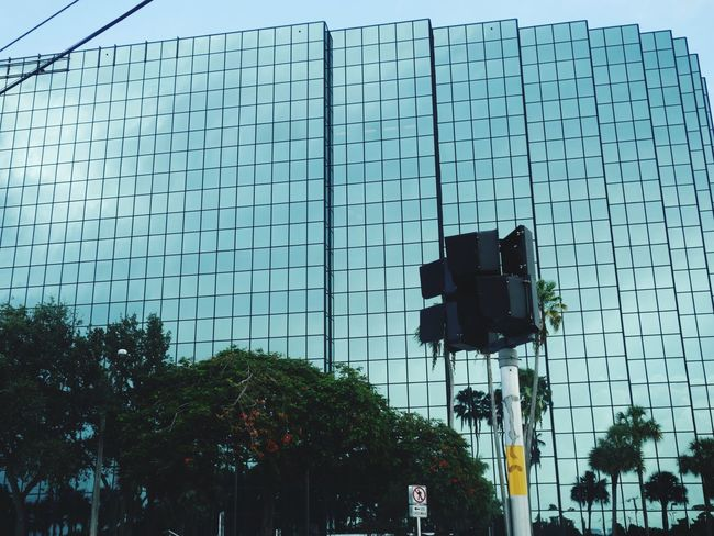 Streetphotography Glass Building Ft Lauderdale