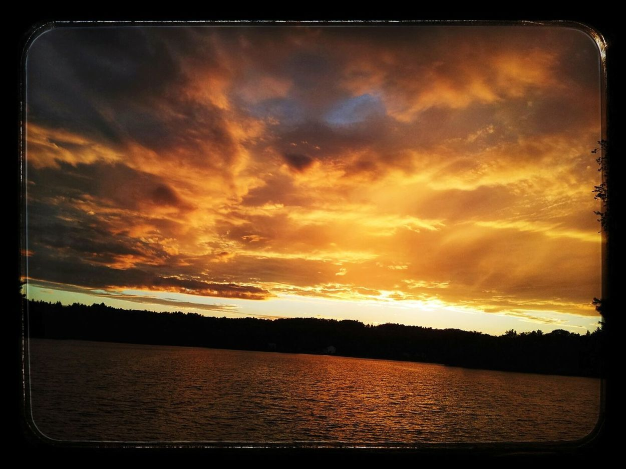 Eyeemsunsets EyeEm Nature Lover Eyemphotography Nature Photography EyeEm Gallery Eyemcaptured Virga Clouds And Sky Skyscape Sky And Clouds Sunset_collection