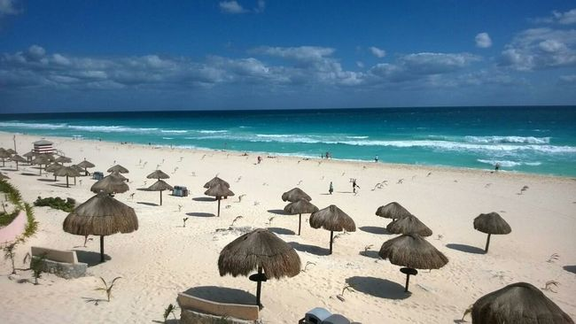 Beach Playa Delfines  Cancun Coastline Rule Of Thirds Vanishing Point