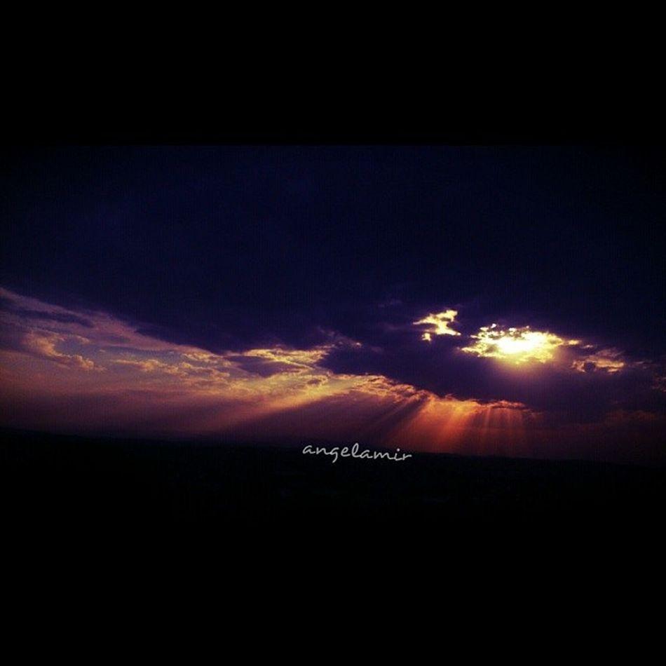 """""""الله نور السّــمــٰوات والأرض.."""" لا أحد..يستطيع..أن يقتل النّور أو يحجبه..<3 _بعدستي ..اليوم _مذكرات_أمير_2013"""