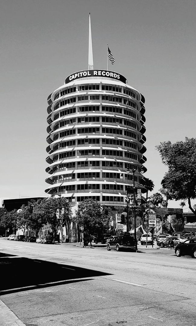 Tower of Music Capital Records Music Black And White Portrait Hollywood And Vine On The Streets Hanging Out Picture Taker Windows Tall Buildings Street Photography Black And White