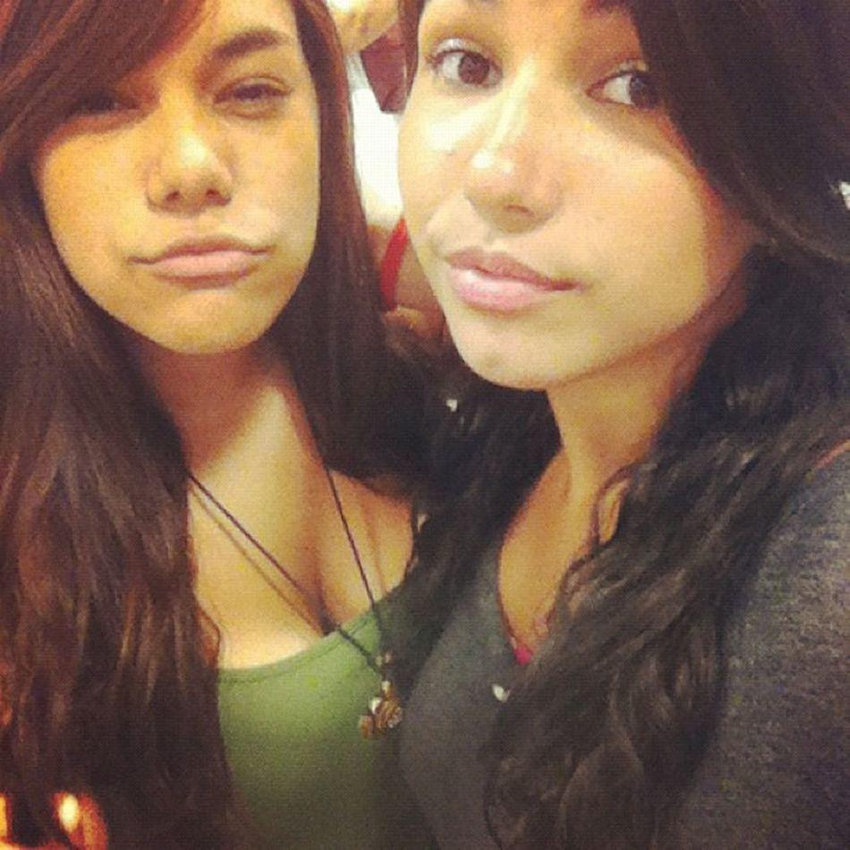 Bien fea yo x) Sisters Shopping