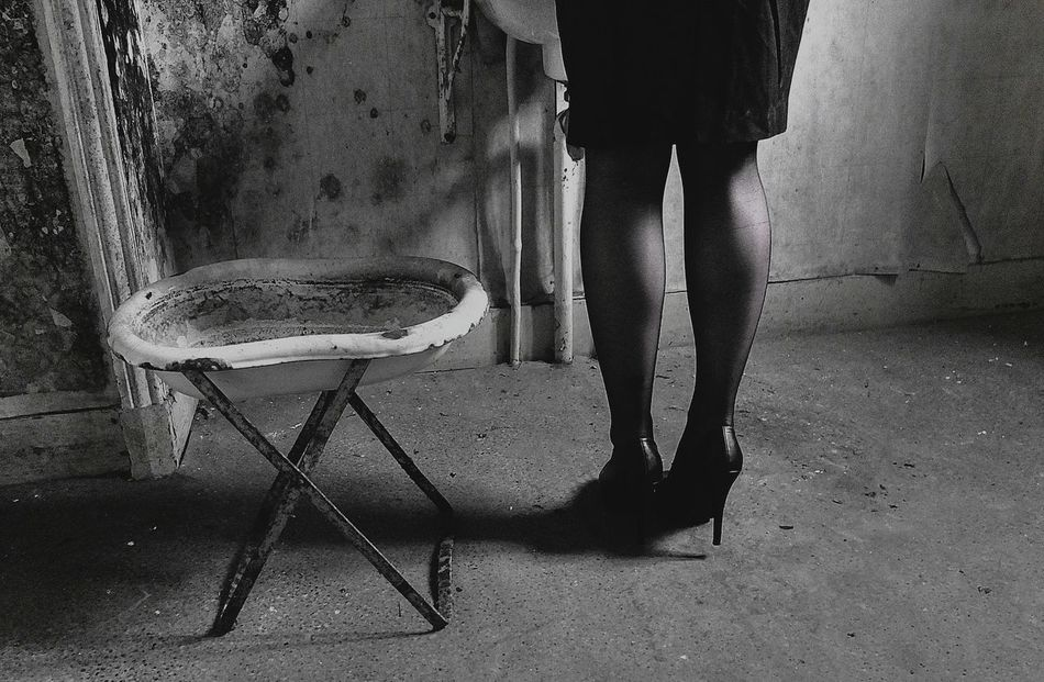 L'intimité... Model Pretty Abandoned France Beautiful Blackandwhite Urbex Beauty Monochrome Black & White
