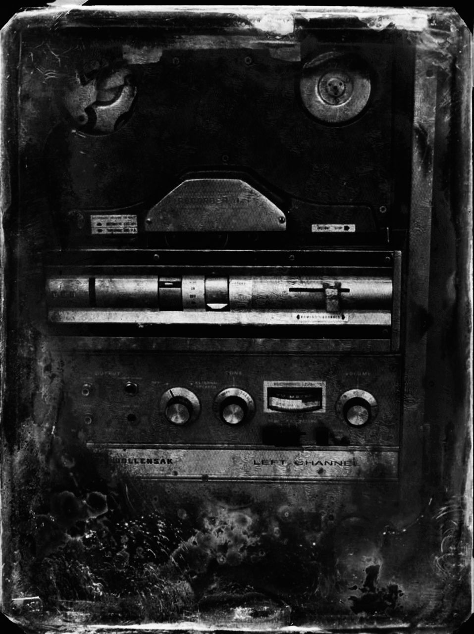 communication, obsolete, abandoned, old-fashioned, no people, day, close-up, indoors