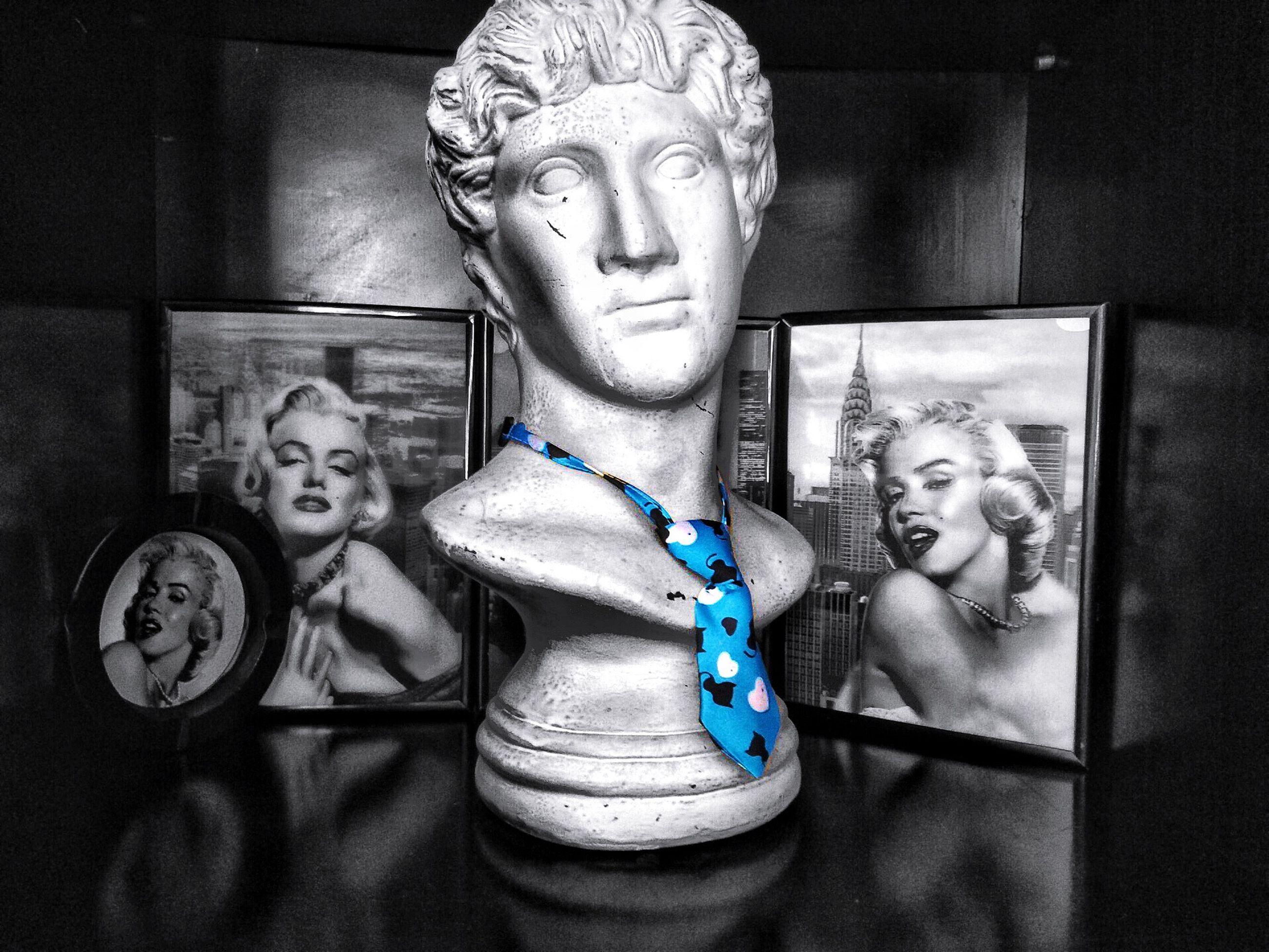 Fotografia Contemporáneo Marylin Monroe Corbata De Gato Estatua Blackandwhite Litlecolor Eyemphotography Eyem Best Shots una fotografía entre casual y preparada :)