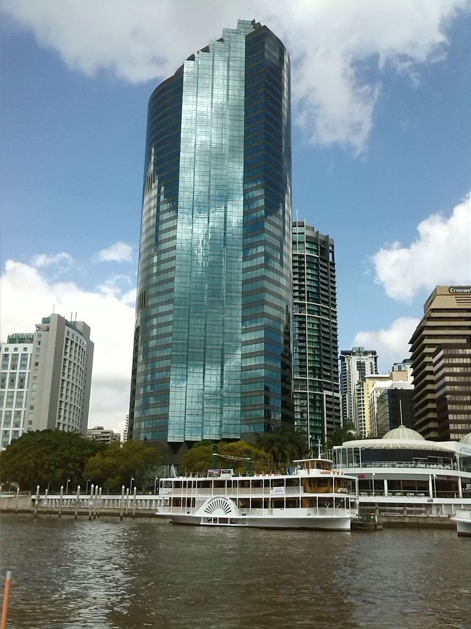 Brisbane River---Paddle steamer in front of modern building (Australia) City Skyscraper Reflection Architecture Modern Outdoors Water River Cityscape Paddle Steamer Brisbane Brisbane River Queensland Australia 2014