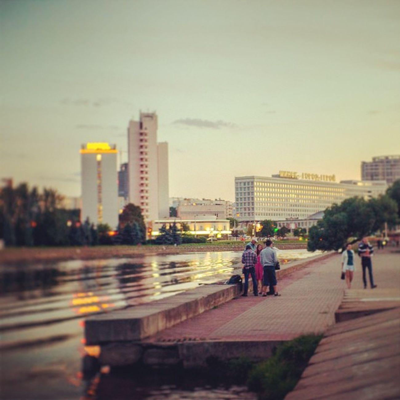 Город жив, город дышит Minsk Cityminsk Minskcitylife Light city color sunset street