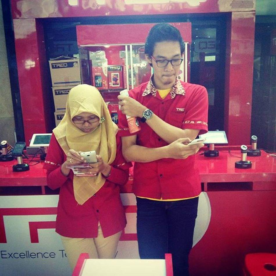 Candid camera 😱😱 LOL Red Mulaiautis Working candidcamera sepi wtc eastjava surabaya indonesia