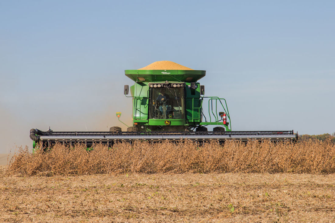 Agricultural Machinery Agriculture Autumn Bean Blue Sky Canon60d Canonphotography Combine Combine Harvester Crop  Day Dusty Fall Farm Field Harvest Harvesting John Deere Outdoors Plant Rural Scene Soybean