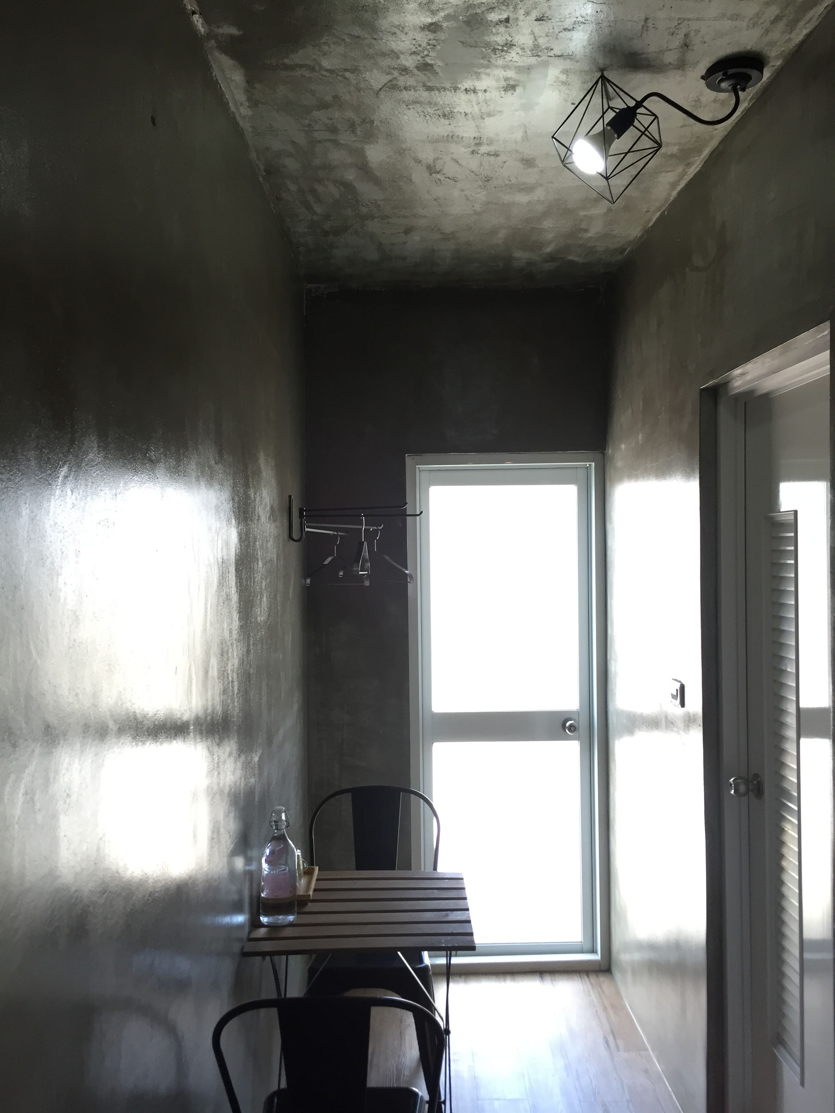 indoors, empty, architecture, window, interior, absence, built structure, corridor, flooring, home interior, ceiling, room, door, wall - building feature, domestic room, wall, illuminated, no people, reflection, abandoned