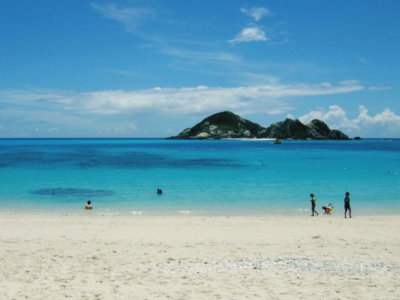 沖縄県 ( Okinawa )の 渡嘉敷島 ( Tokashiki )にある 阿波連ビーチ (aharen beach)です