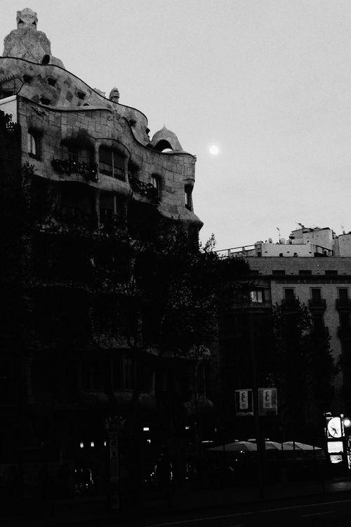 La pedrera Hanging Out Taking Photos Black & White Barcelona Art Walking Around