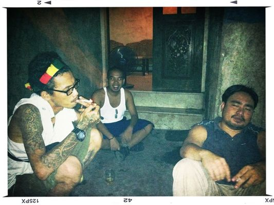 Hanging out in Manila by Charley Espiritu