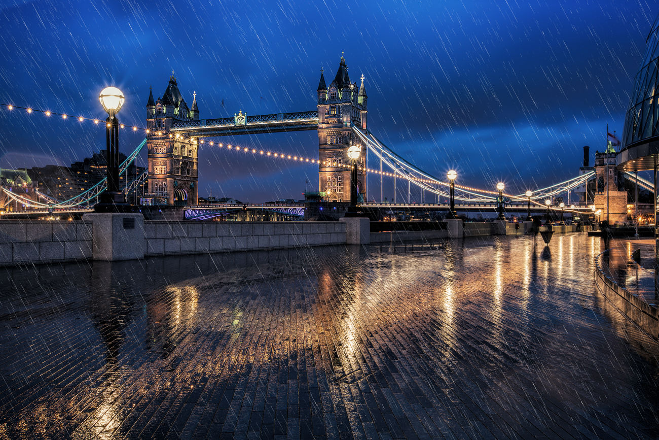 Tower Bridge at a rainy day Architecture Bridge Britain Building Cityscape Cloudy Dark Drawbridge  Drops England 🇬🇧 Famous Place Light London Night Old Rain Reflection River Thames Tower Travel Uk United Kingdom Urban Wet The Architect - 2017 EyeEm Awards