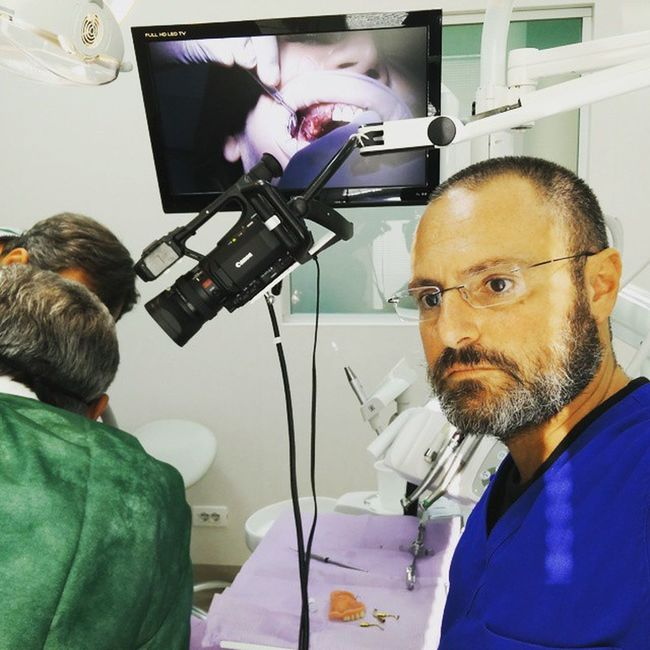 Alchermes video production. GBR, split cresta and piezo surgery: a very ful day Odontologia Dentist Dentistica Ortodonzia Implantology Piezosurgery Alchermes Paolograssi