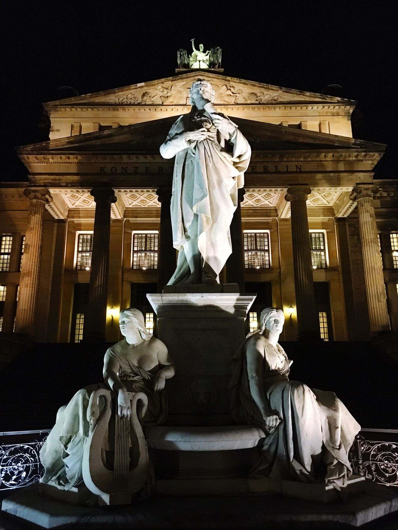 Schiller At Gendarmenmarkt Berlin Germany🇩🇪 Showcase: February Nacht Night Konzerthaus Schiller Statue Berlin By Night Berliner Ansichten Berlin Photography Iphone6 Berlin Mitte Famous Place IPhoneography