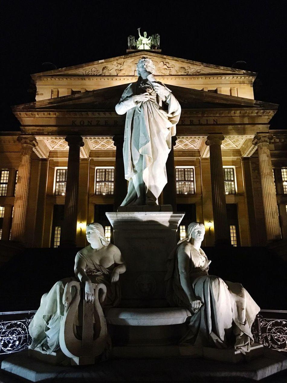 Schiller At Gendarmenmarkt Berlin Germany🇩🇪 Showcase: February Nacht Night Konzerthaus Schiller Statue Berlin By Night Berliner Ansichten Berlin Photography Iphone6 Berlin Mitte Famous Place IPhoneography