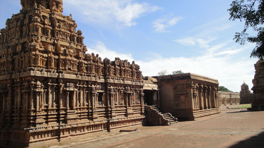 Indian Indian Sculptures Thanjavur Thanjavur_Tamil Nadu Ancient Ancient Architecture Ancient Architercture Ancient Civilization Architecture Building Exterior Built Structure Cloud - Sky Day History No People Old Ruin Outdoors Sculpture Sky Statue Sunlight Thanjore Travel Destinations