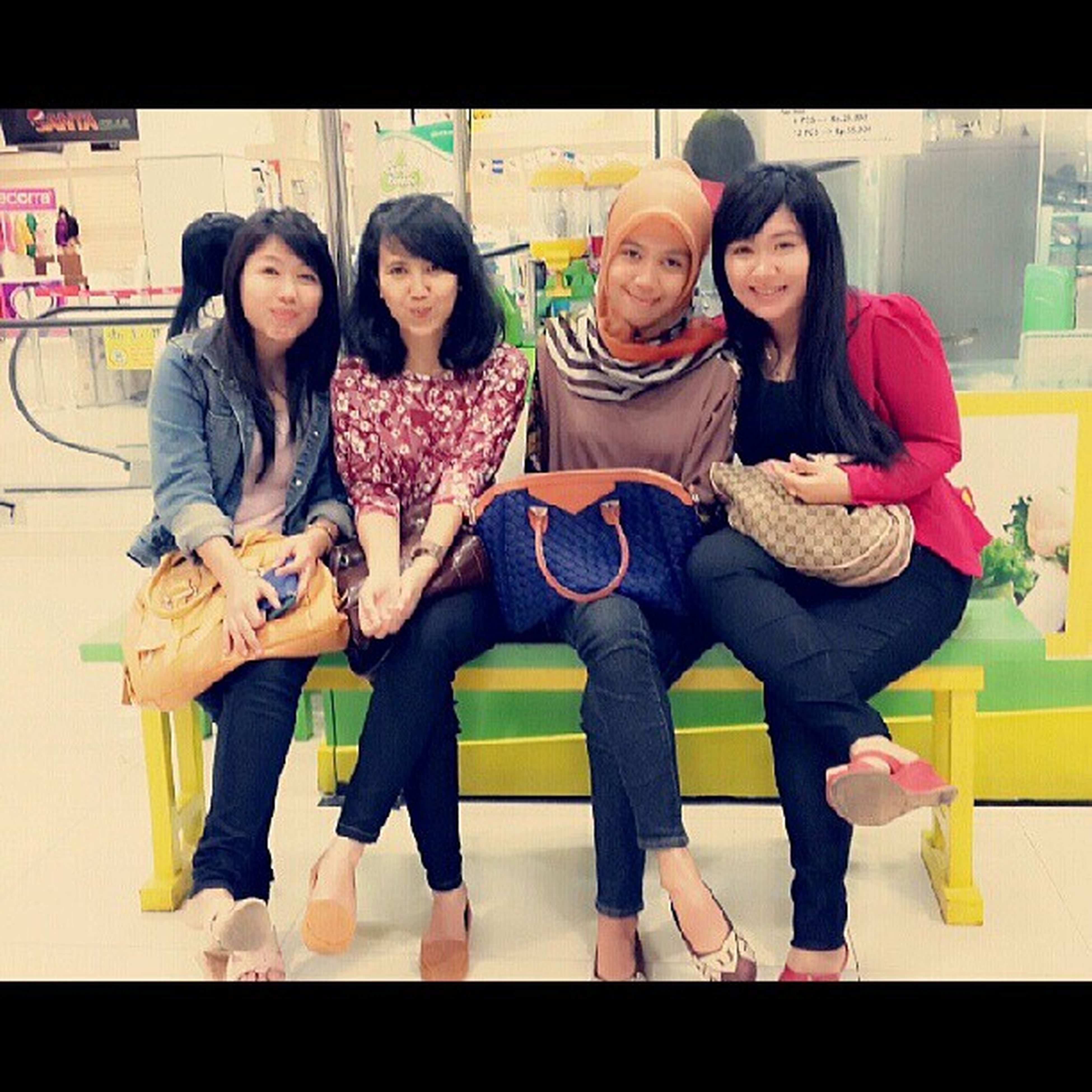 With my girls :-* Metup Instadroid Instalove Picoftheday csb hangout girls bukber indonesia