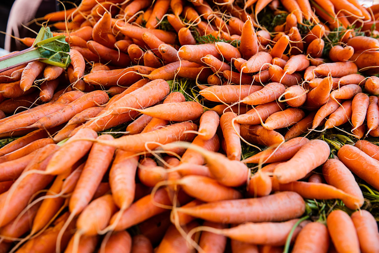 Abundance Carrots Close-up Food Freshness Healthy Eating Large Group Of Objects Market Market Stall Möhren, No People Raw Food Still Life Wurzeln