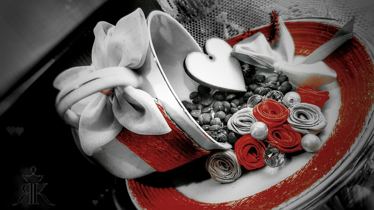 Jewelry High Angle View No People Indoors  Red Close-up Day Coffee Coffee ☕ Roses🌹 Red Red&black Live For The Story