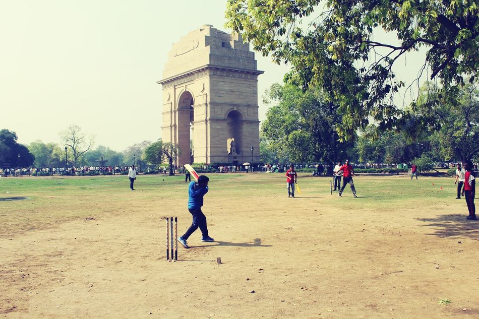 SastaFotu at Indiagate by Animato Cricket Fun Adapted To The City Uniqueness