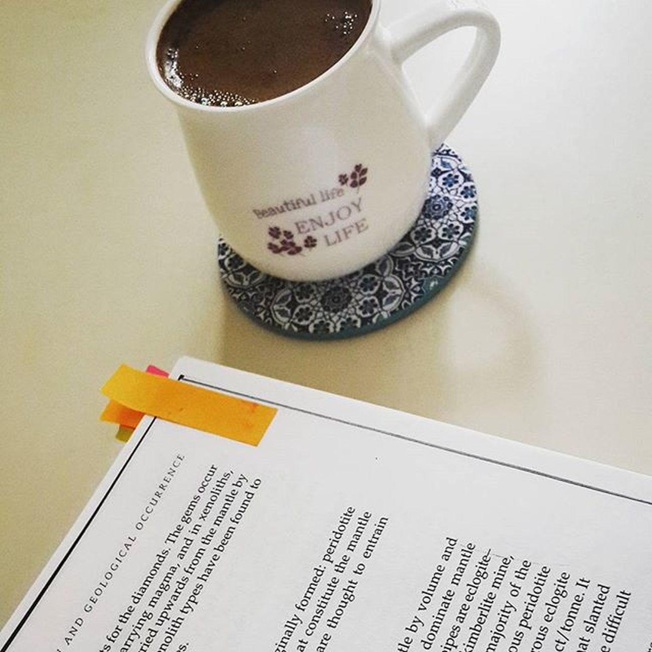 Duble Türkkahvesi ile calismaya devam! Esmiyor 😕😉Coffee Coffeeaddict Coffeetime Pazar Sunday Gununkeyfi Enjoyinglife  Beautifullife Instagood Instamood Instagramturkey Instagramturkiye Turkinstagram Igaddict