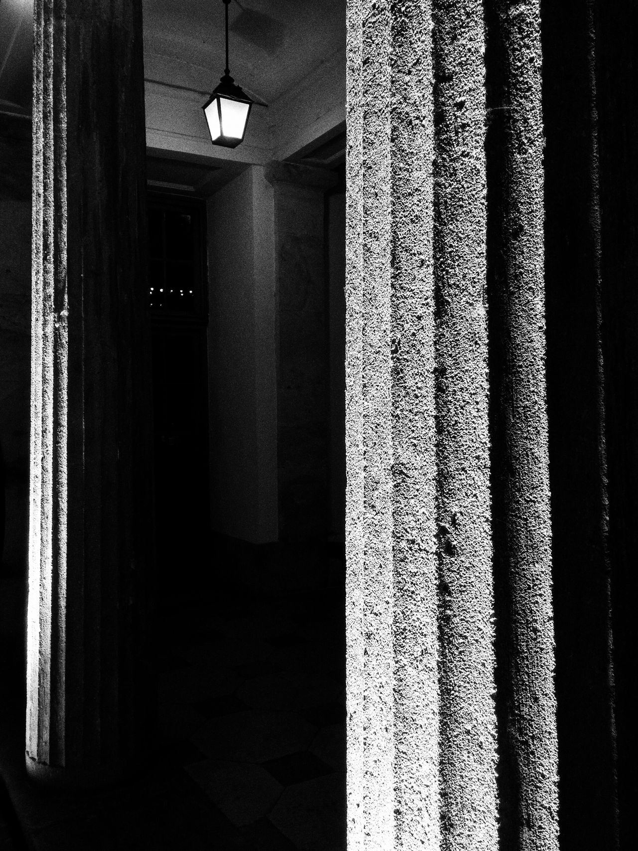 Pim Budapest Budapestagram Columns Shadows & Lights Blackandwhite Photography Bnw LGg3photography Mobilephotography