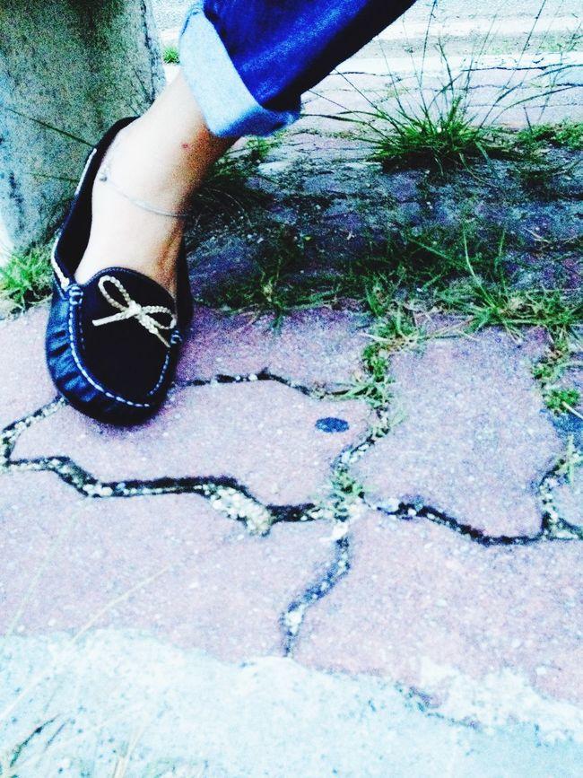 Glitch Walking Around Brandnewjones Walking Around Newshoes Loveones Hanging Out