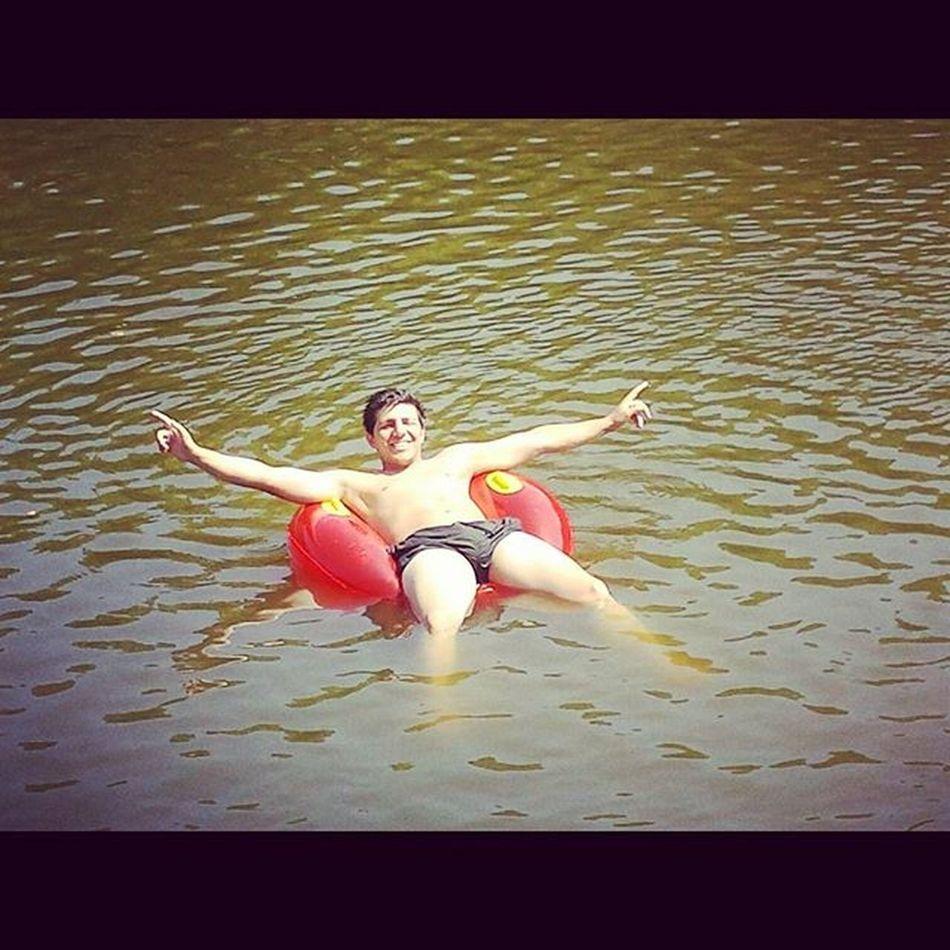Bô ! Assim está bem...eheh...relax ! 😃🌞 Portugal Trásosmontes River Water Sun Summer Hot Body Red Cool Picoftheday Vacations Greatlife Afternoon Rio Boavida Tassbem Instasize Relax