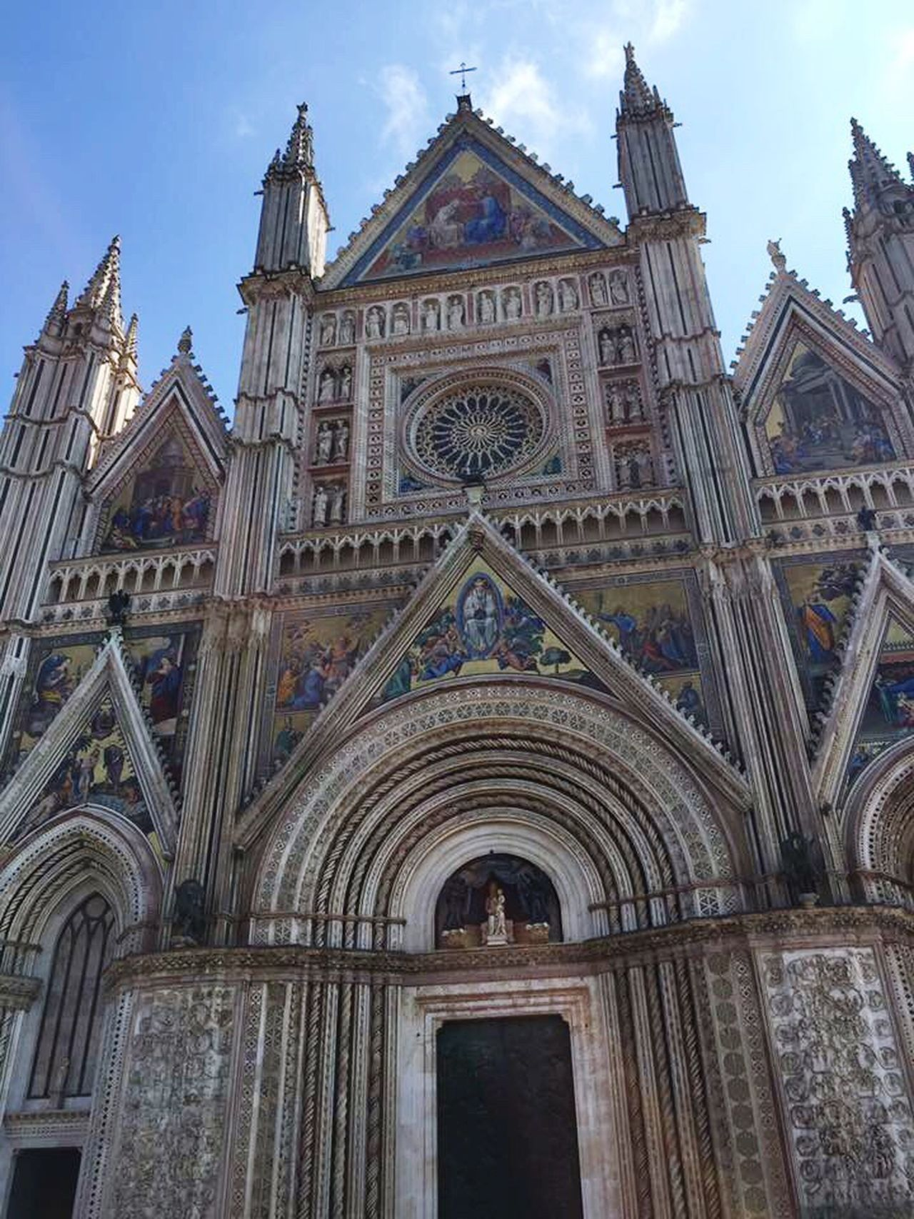 Duomo E Cappella Di San Brizio Architecture Built Structure Building Exterior City Low Angle View No People Travel Destinations Day Rose Window Place Of Worship Outdoors Religion Sky Witnessserenity Beautiful Place Umbria, Italy Italy🇮🇹