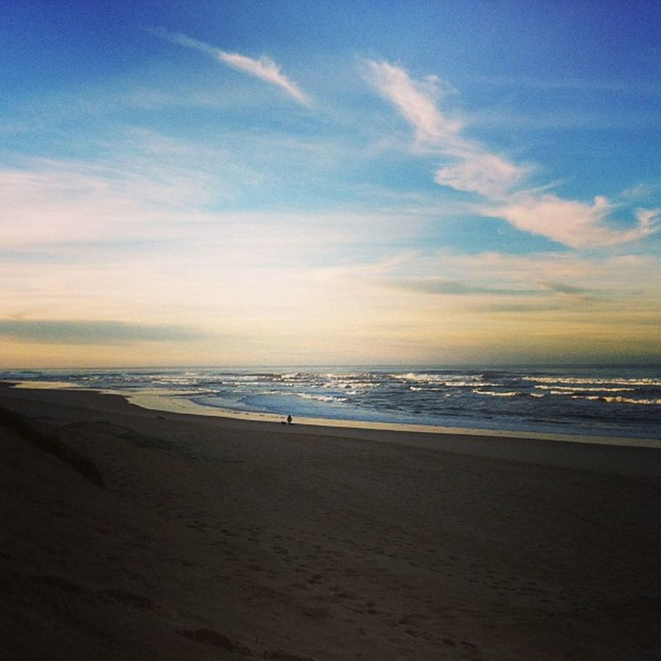 Good Morning! Meetsouthafrica today will be spent mainly on the beach @gotosouthafrica @hostelling