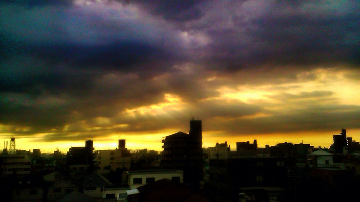 sunset in Nagoya-shi by Nakamimi