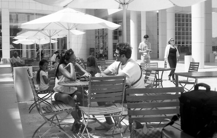 romance and horror Streetphotography Candid Streetphoto_bw Film Photography Getty Museum Getty Street