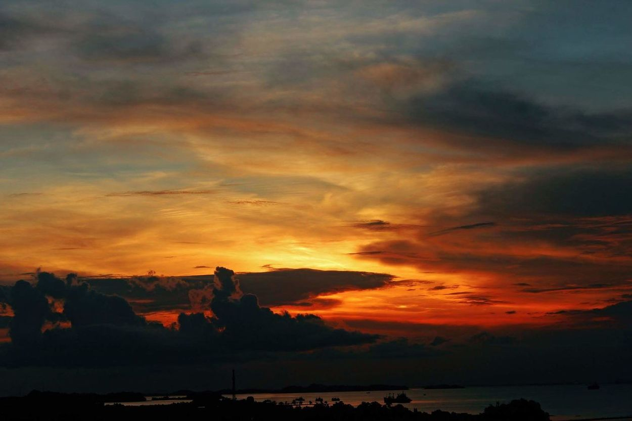 beautifull sky #sunset Skylovers Sky And Sea Skyviewers Orange Sky Beautifull Sky Beautifull Sunset Sky Outdoors Travel Destinations Vacations Beauty No People
