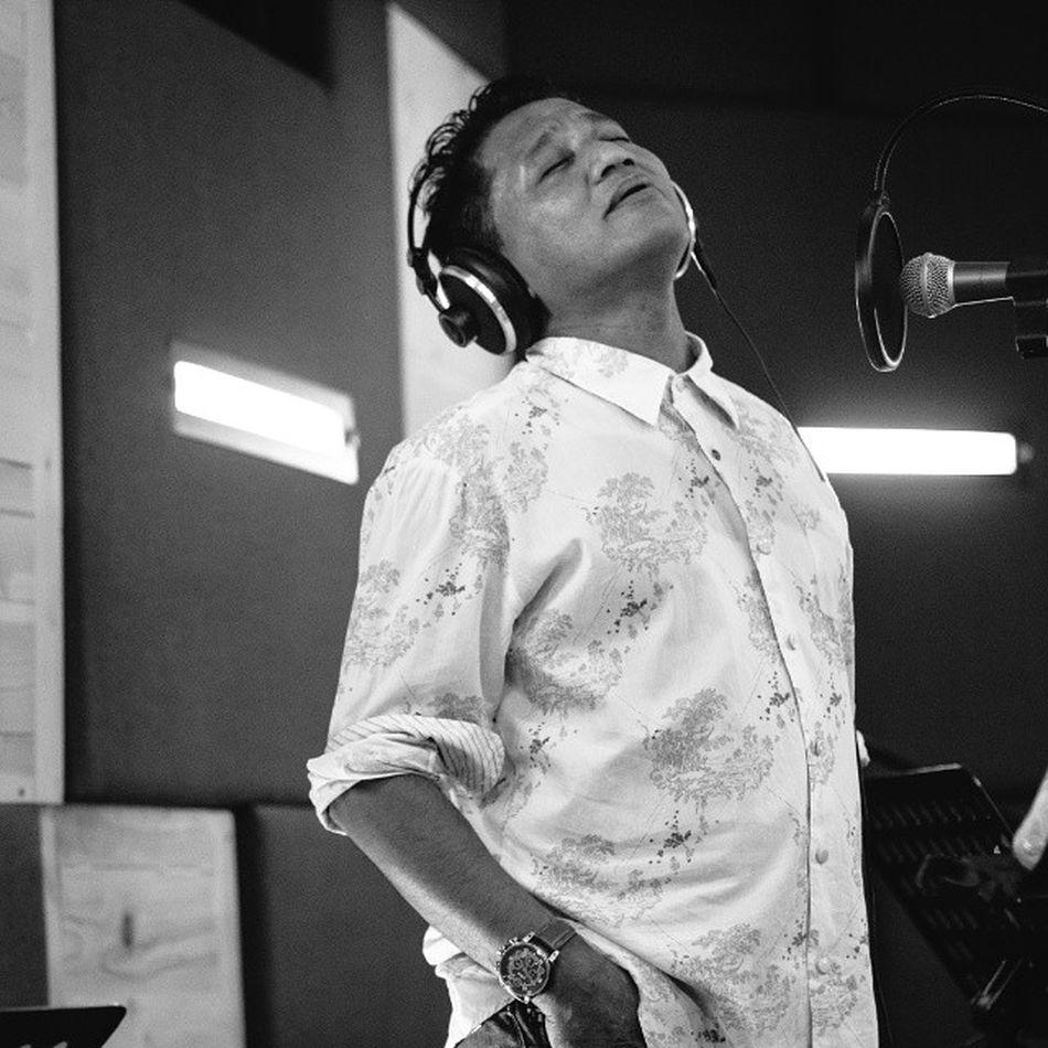 Andre hehanussa recording session at isound Andrehehanussa Portrait VSCO Vscocam bw blackandwhite monochrome