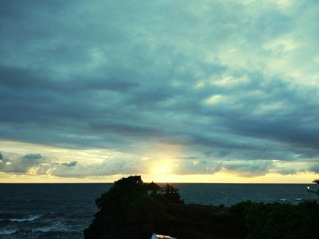 sunset in Tanah Lot beautiful the sky.. INDONESIA Bali Iloveindonesia Tourist Bestholiday Sea Horizon Over Water Cloud - Sky Nature Dramatic Sky Scenics Water