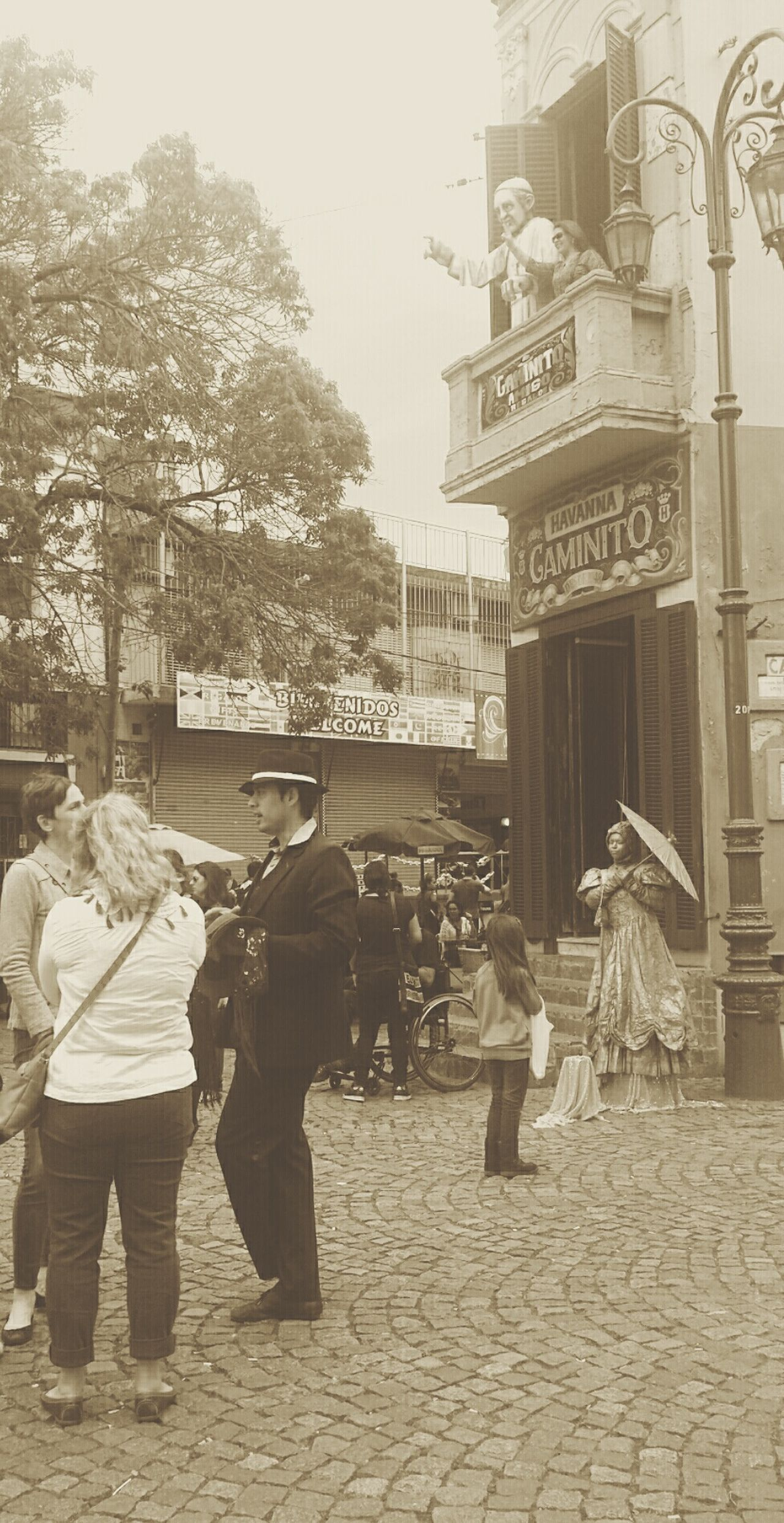Mi Buenos Aires Querido Caminito Buenosaires EyeEm Buenos Aires Colonial Style Argentina Walking Around Taking Photos Looking To The Other Side