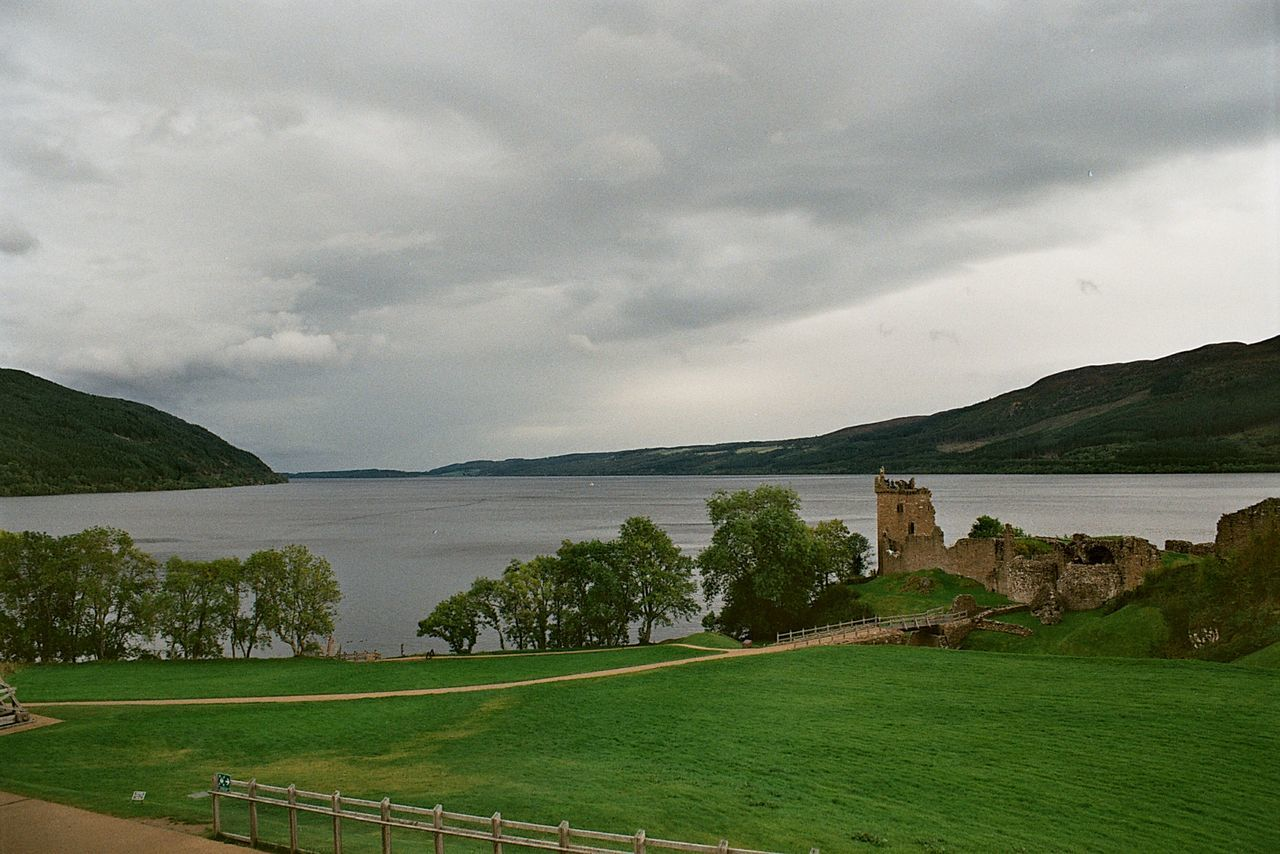 Lochness Loch Ness UrquhartCastle Urquhart Castle Nature Nature Photography Schottland Scotland Scottish Highlands Highland Highlands Berg Mountains Berge Scottish Lake Lakeview Travel Travel Photography Traveling Travelphotography Nature_collection Beautiful Nature EyeEm Nature Lover Nature On Your Doorstep