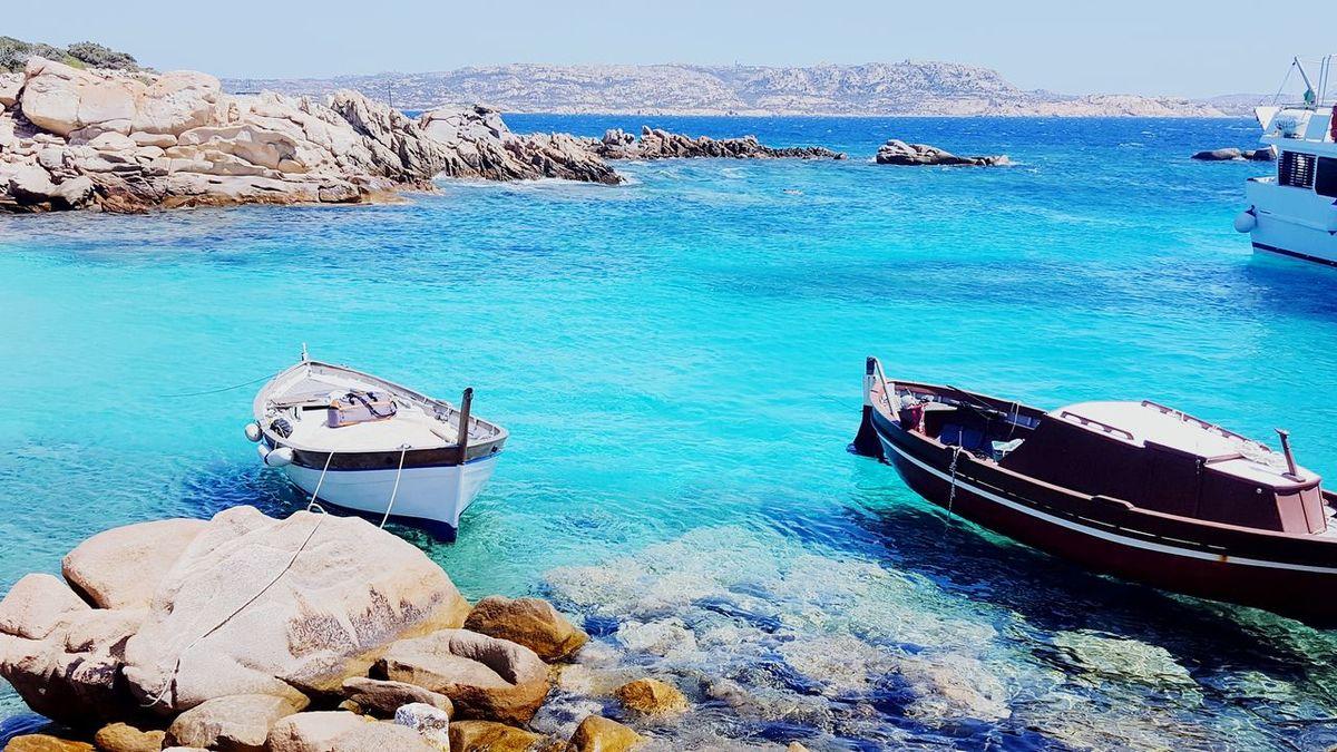 Sardegna Sardegnaofficial Sardinia Italy Sea Beach Nature Horizon Over Water Beauty In Nature Landscape Fotografia Travel Destinations Photography Reflection Barca Da Pesca Boat Paradise Calacorsara Spargi Sardinia Italy Sealife EyeEmNewHere