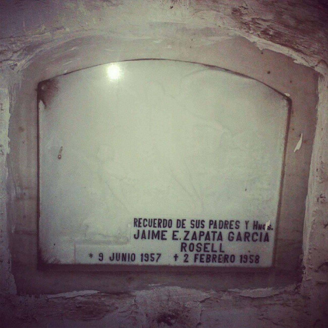 Los mausoleos verdaderas Antigüedades del cementerio @brunocosmos Reto 04/05
