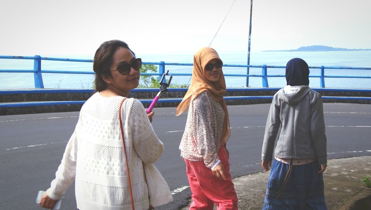 RePicture Friendship Eyem Best Shots Sun Glasses Lombok INDONESIA Wonderful Indones Gi Malimbu Street Photogra
