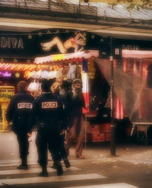 Paris 11/11/15 Discover Your City Cities PrayForParis🙏 City Life Paris❤ Tadaa Community Paris Tadda Community Tadaa Friends Tadaa Paris, France  Paris Je T Aime Streetphotography Police Citylife Street Photography People France People Photography Prayforparis Paris ❤ Streetphoto_color Real People Peoplephotography Cityscapes