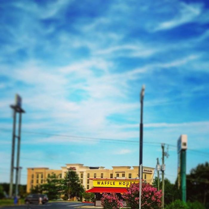 TBT  Not an old picture just an old memory. I worked at this Waffle House when I was a teenager. Drive by it frequently but today it really caught my attention. Recently, reconnected with an old friend. Feeling NOSTALGIC Memories Wafflehouse Oldtimes goodtimes teenyears GalaxyS5