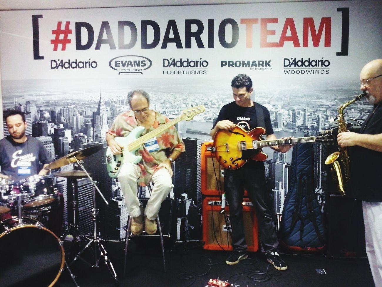 Banda de jazz maravilhosa Jazz Daddariotean Expo2015 Expo Music