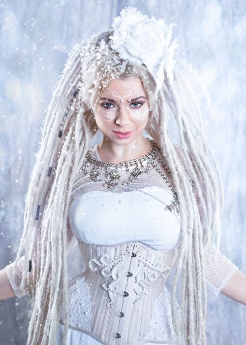 Beautiful People Portrait Beauty Looking At Camera Winter Females Beautiful Woman Cold Temperature Women Young Adult Young Women Snowflake White Color Smiling Wedding Dress Adult Snow People Adults Only One Young Woman Only Snow Queen Frozen