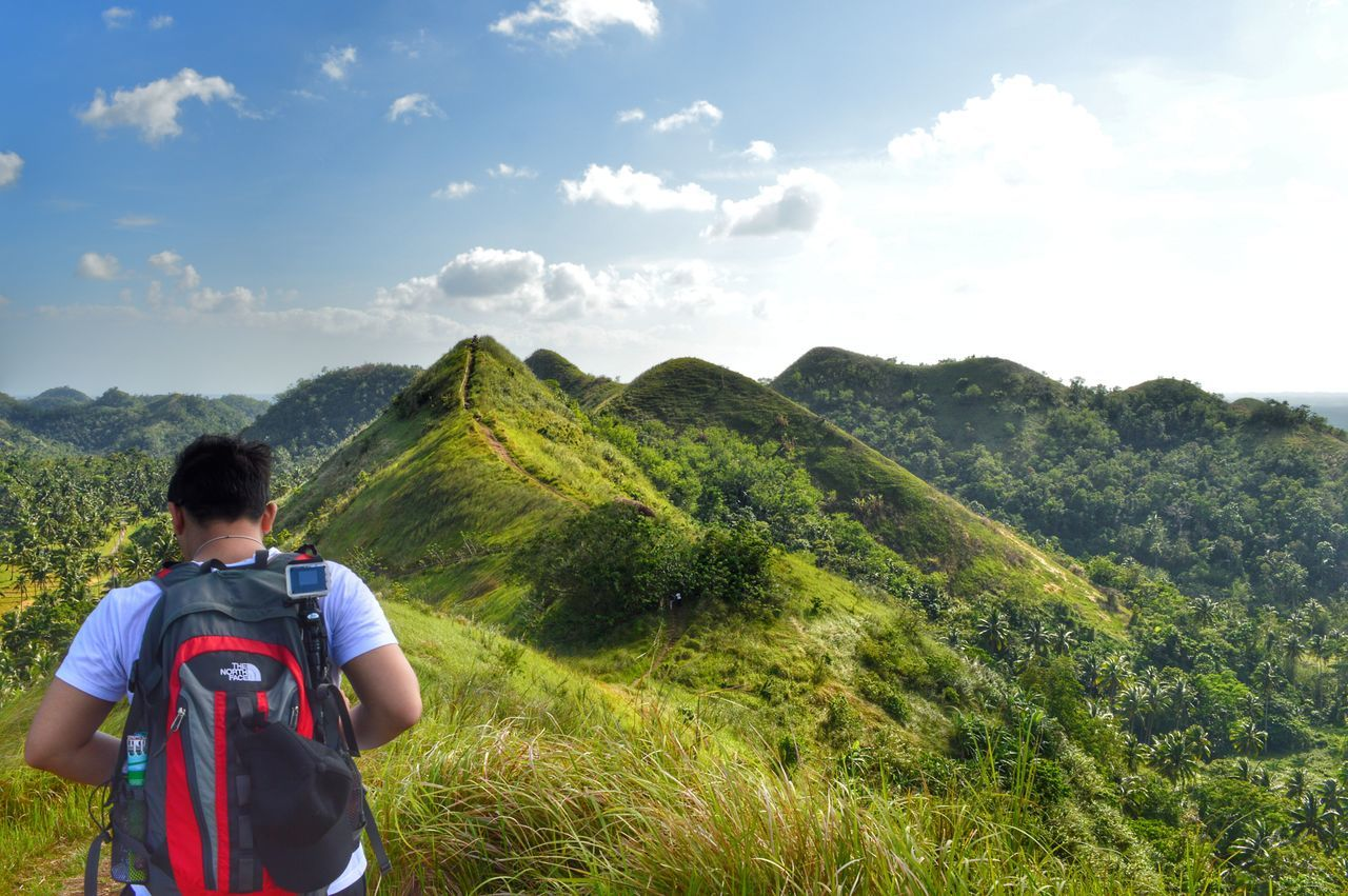 One Person Adult Hills QuitindayGreenHills CamaligAlbay Albay,Philippines Adventure Hiking❤ Hikingadventures Hiking Trail Nature Beautyofnature Naturebeauty Beautifulscenery Beautifulscene P Green Green Green!  Outdoors Mountain Day Sky Beauty In Nature Rear View