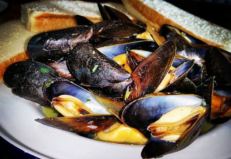 Exmouth mussels in white wine and garlic butter Rockfish Exmouthmussels Seafood Mussels Food Fresh Freshseafood